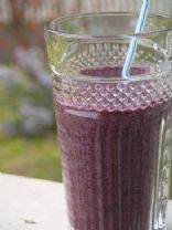 Raw Blueberry Banana Smoothie with Almond Milk