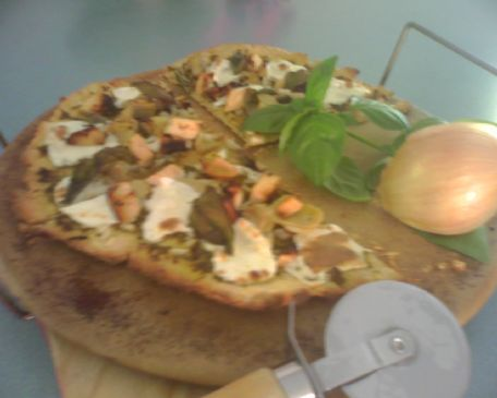 Tess' Grilled Chicken Artichoke Pizza