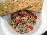 Tuna salad with spinach & cherub tomatoes