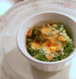 Cream of Spinach with pine nuts