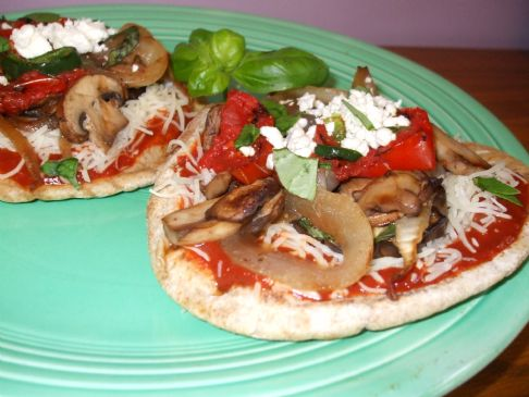 Grilled Veggie Pita Pizzas