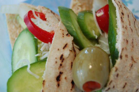 salad  in pita