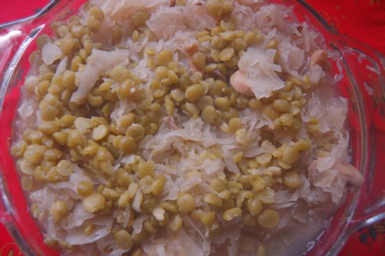 SAUERKRAUT WITH SPLIT PEAS