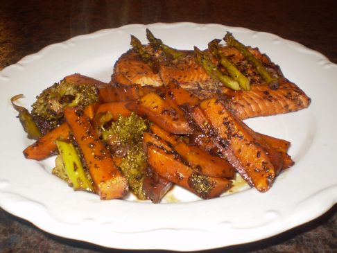 Sweet Balsamic Salmon & Veggies (Meditteranean)