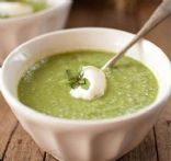 Leek, broccoli and pea soup