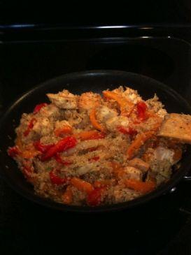 Garlic Chicken Stir Fry With Quinoa, Peppers & Basil