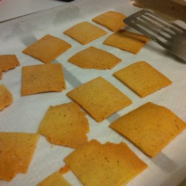 Almond flour Crackers (serving = 4 crackers)