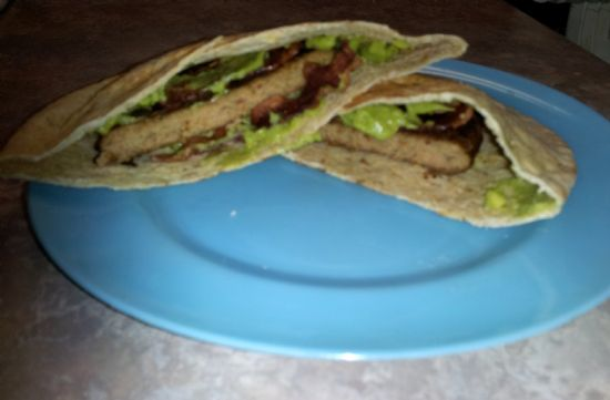 Bacon Guacamole Turkey Burger Pita
