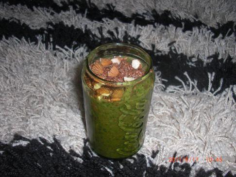 Frozen strawberrie spinach smoothie