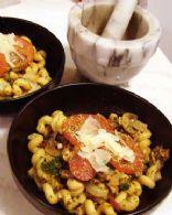 easy tomato pesto pasta