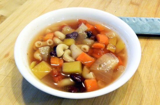 Root Vegetable Minestrone (vegan, no added fat, per 2-cup serving)