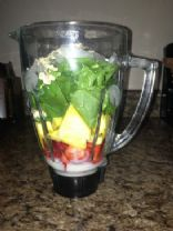 Spinach Strawberry Pineapple Smoothie