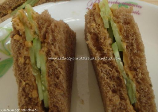 B's PB&C Sandwich