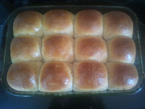 Honey and Yogurt Dinner Rolls