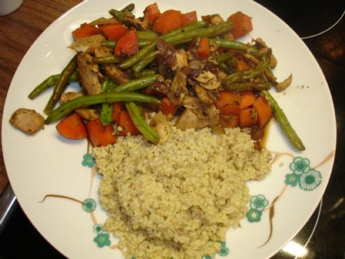Chicken, carrot and bulgur dinner