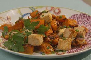 Sweet 'n' Spicy Breakfast Hash With Tofu