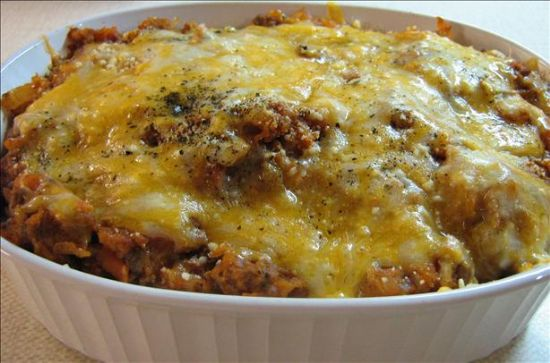Beef and Cheesy Spaghetti Squash Bake (Low Carb)