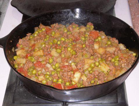 Aloo Matar Keema (Ground beef curry with potatoes and peas)