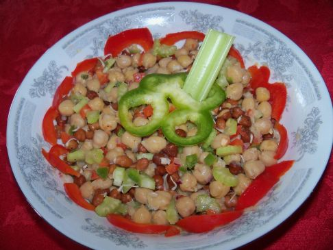 Triple garbanzo beans Salad