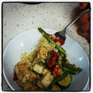 Vegan Stir Fried Tofu w/ Steamed Veggies & Quinoa