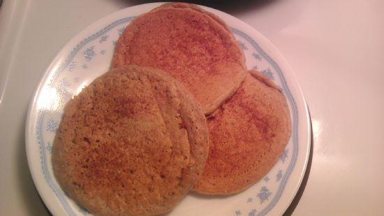 Apple Cinnamon Oatmeal Pancakes