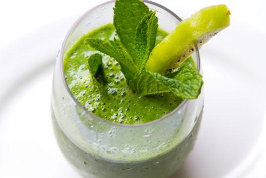 Kiwi Pineapple Mint Green Smoothie