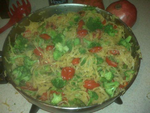Spaghetti squash with fresh vegetables