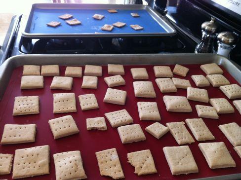 Cinnamon Amaretto Crackers