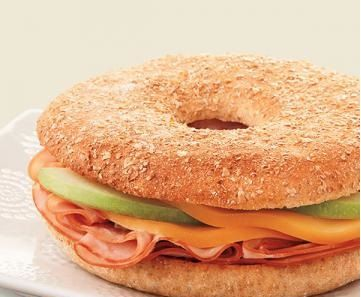 Gouda, Ham and Apple Bagel Thins Sandwich