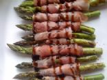 Prosciutto Wrapped Asparagus with Balsamic Glaze