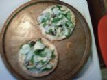 chicken and spinach pita pizza