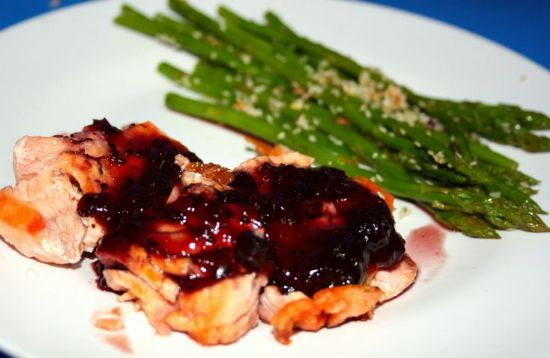 Blackcurrant Salmon fillet with Garlic-Sesame seed Asparagus