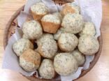 Lemon-Poppyseed Muffin