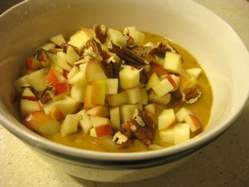 Pumpkin Pie Oatmeal with Apples and Pecans