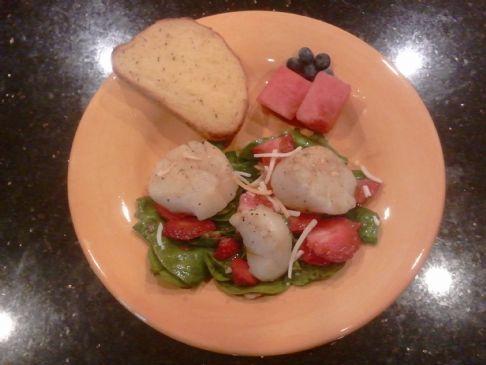 CDM Spinach Strawberry Scallop Salad