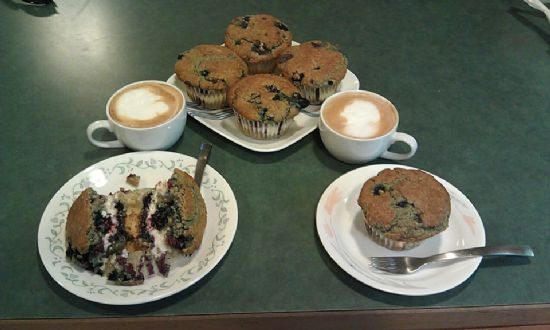 Marion Berry Oat-Bran Muffin w/fat free Cream cheese