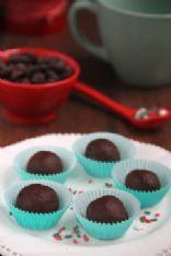 Dark chocolate truffles from foodforthesoul.net