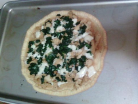 Italian Chicken, Spinach and Mozzarella Pizza Pie