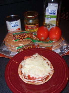 Basil Tomato Mini Pizza