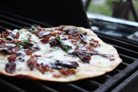 Garlic Flat Bread Pizza
