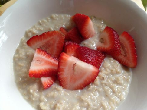 Creamy Oatmeal and strawberries