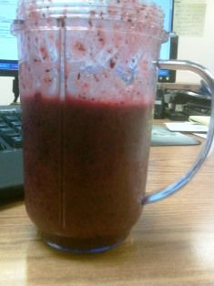 100 calorie Tangy Blueberry Strawberry smoothy