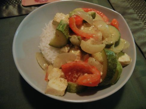 Tofu and Vegetable Thai Green Curry with Rice