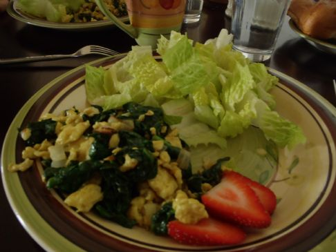 Healthy spinach and egg scramble