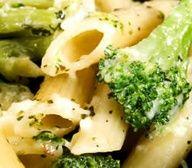 Slow Cooker Broccoli Cheddar Mac n Cheese