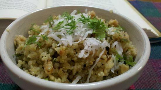 Quinoa Khichdi (mock sabudana)