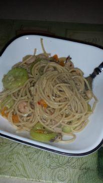 Garlic Parmesan Shrimp Pasta Toss