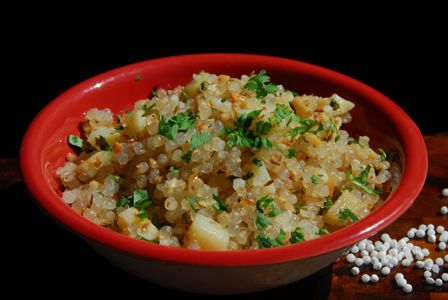 Sabudana Khichidi (Tapioca Indian Hot Breakfast)