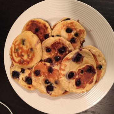 Fluffy Whey Protein & Blueberry Cinnamon Pancakes