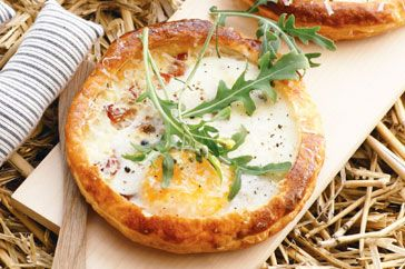 Bacon, egg and feta tarts